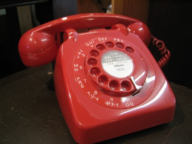 telephone-gpo_746_red