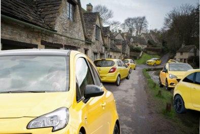 bibury-yellow-car