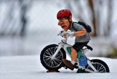 cyclists-3141787_960_720