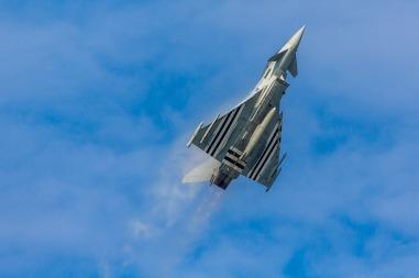 Eurofighter aircraft-1417032_960_720