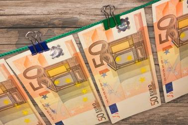 money-606760_960_720