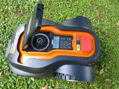 Robot lawn-mower-634603_960_720