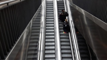escalator-2740164_960_720